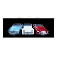 Kakémono déco noir représentant trois voitures couleur bleu blanc rouge. Toile déco moderne et design.